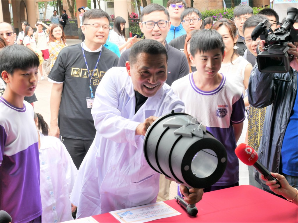 108年度科學教育嘉年華-市長體驗林口國中攤位 (新北市政府教育局提供)