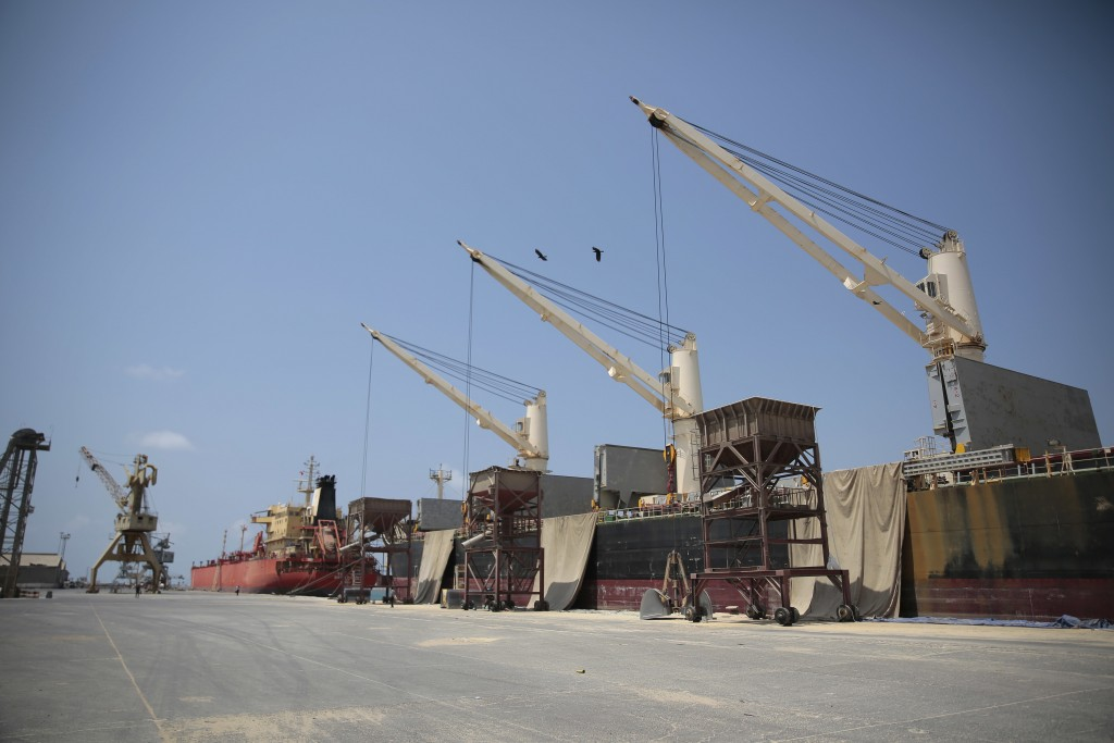 United Nations  deminers in Yemen start clearing Hodeidah ports as Houthis withdraw