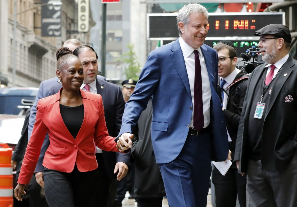 """New York Mayor Bill de Blasio and his wife Chirlane McCray arrive at """"Good Morning America"""" in New York, Thursday, May 16, 2019. De Blasio announced T"""