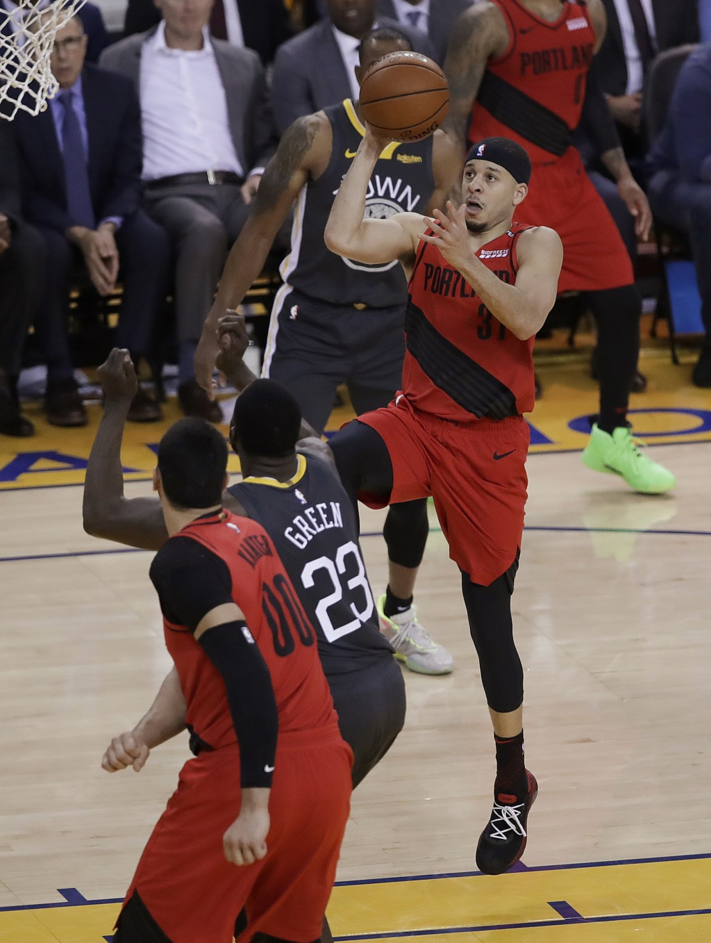 Portland Trail Blazers guard Seth Curry (31) shoots against the Golden State Warriors during the first half of Game 2 of the NBA basketball playoffs W