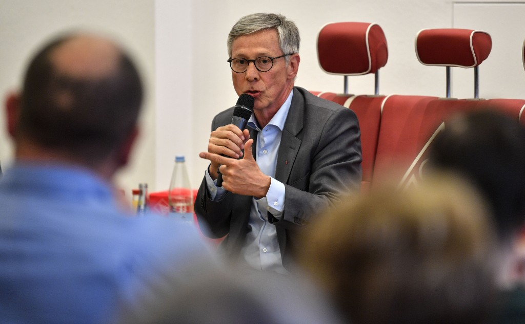 In this Tuesday, May 14, 2019 photo, the governing mayor of Bremen Carsten Sieling of the Social Democratic Party, SPD, talks during a meeting with un