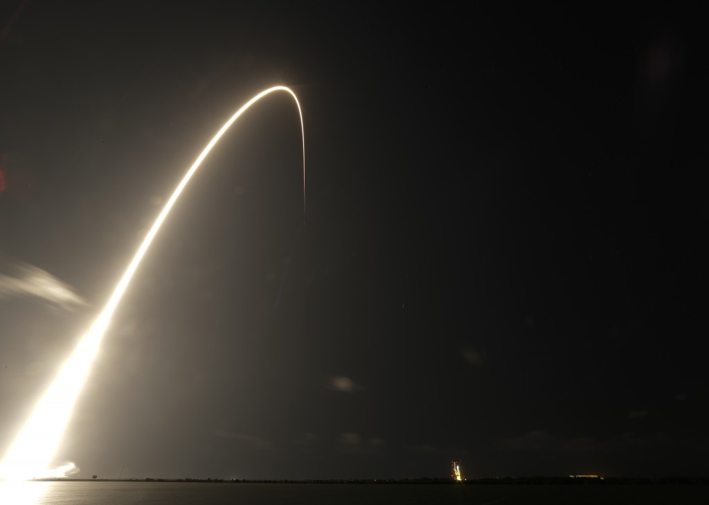 A Falcon 9 SpaceX rocket, with a payload of 60 satellites for SpaceX's Starlink broadband network, lifts off from Space Launch Complex 40 during a tim...
