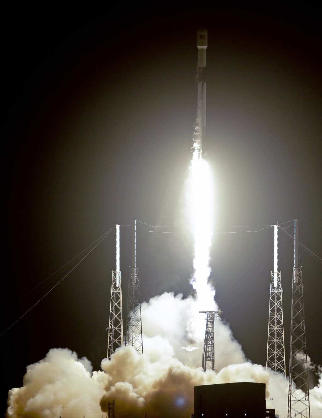 A Falcon 9 SpaceX rocket, with a payload of 60 satellites for SpaceX's Starlink broadband network, lifts off from Space Launch Complex 40 at the Cape ...