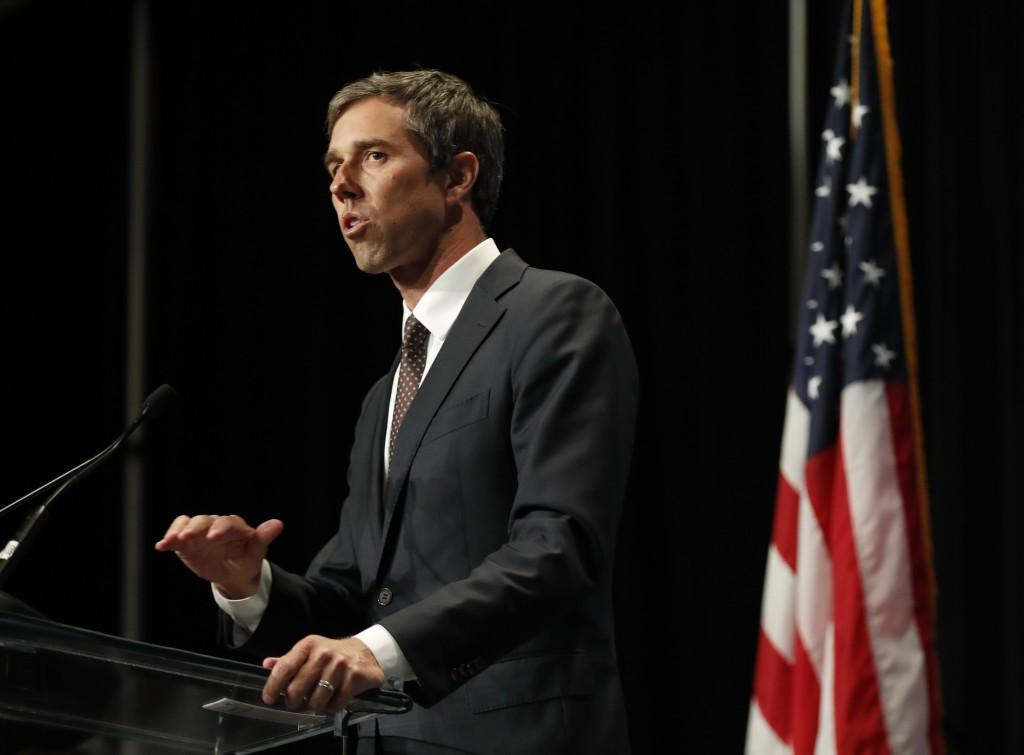 Democratic presidential candidate Beto O'Rourke sp...