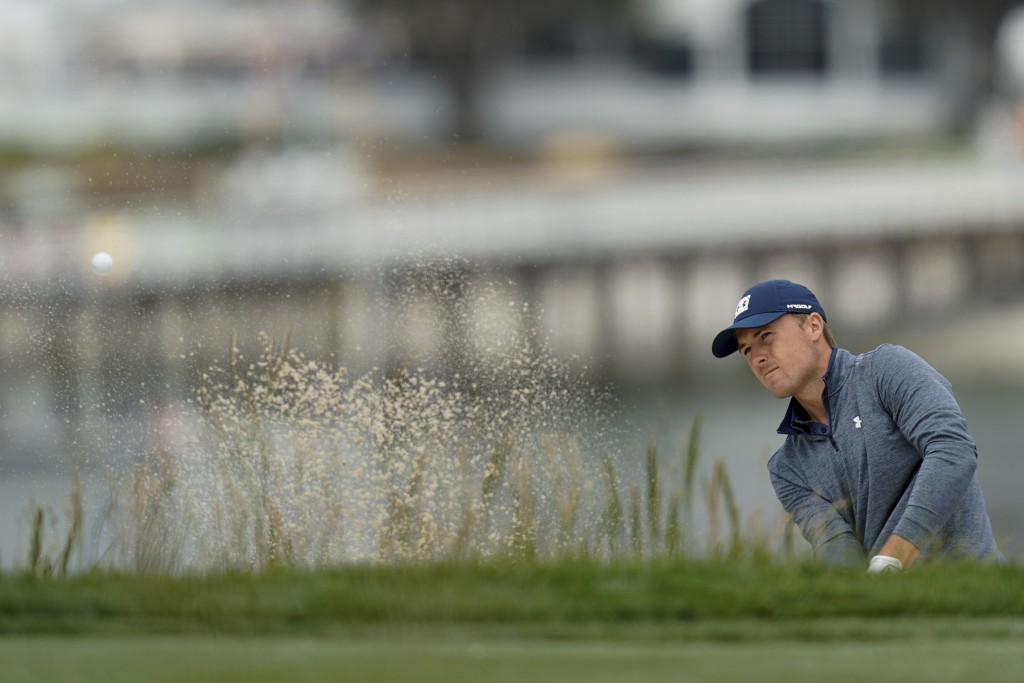 Jordan Spieth hits out of the bunker on the sixth hole during the second round of the U.S. Open Championship golf tournament Friday, June 14, 2019, in...