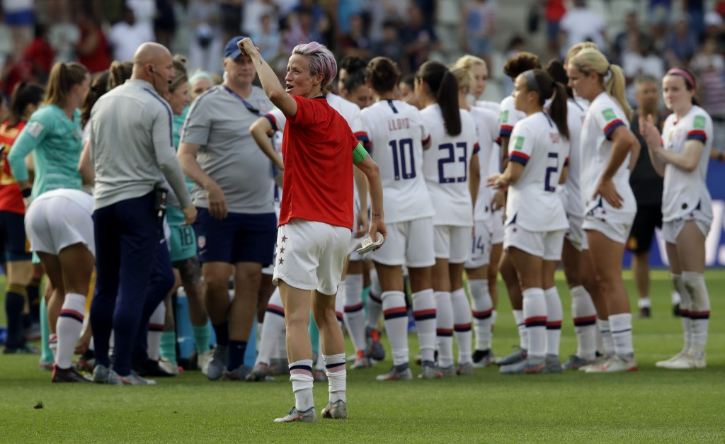 United States'Megan Rapinoe, front, celebrates at the end of the Women's World Cup round of 16 soccer match between Spain and US at the Stade Auguste-...