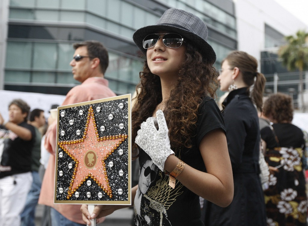 FILE - This July 7, 2009 file photo shows Serena Romaya, of San Diego, Calif., arrives at the memorial service for Michael Jackson  in Los Angeles. Tu...