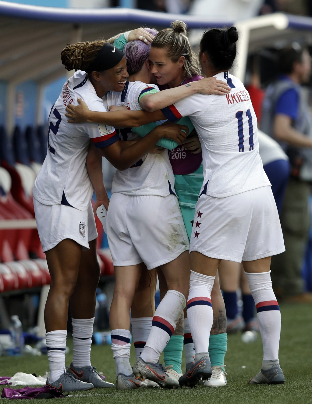 United States players celebrates at the end of the Women's World Cup round of 16 soccer match between Spain and US at the Stade Auguste-Delaune in Rei...
