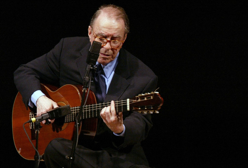 Brazil leader hit for cool reaction to João Gilberto's death