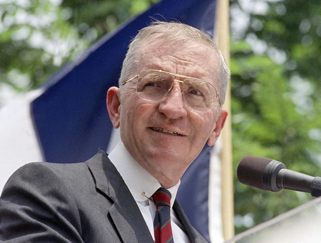 FILE - Presidential hopeful H. Ross Perot speaks at a rally in Austin, Texas, in this 1992 file photo. Perot, the Texas billionaire who twice ran for