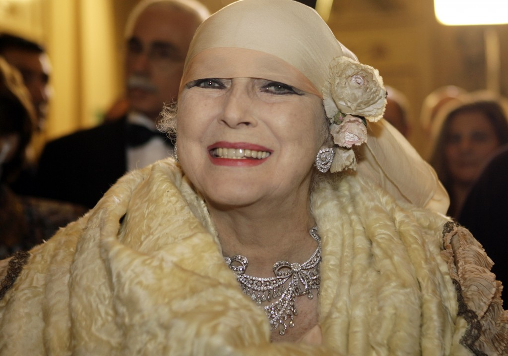 FILE - In this photo taken on Dec. 7, 2007, Valentina Cortese arrives at the Milan La Scala opera house. The renown actress, who worked with some of t