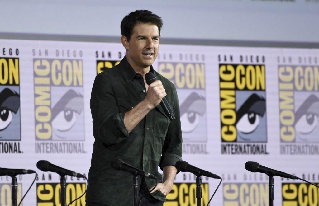 Tom Cruise surprises Comic-Con with 'Top Gun' sequel trailer | AP entertainment