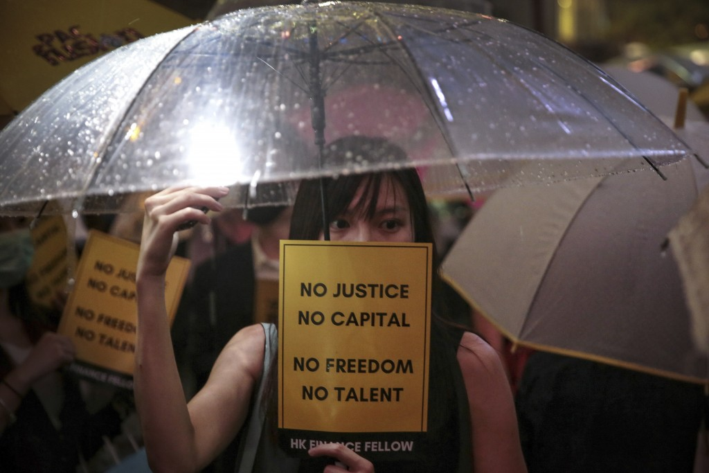 Hong Kong police arrest pro-independence figure amid further protests