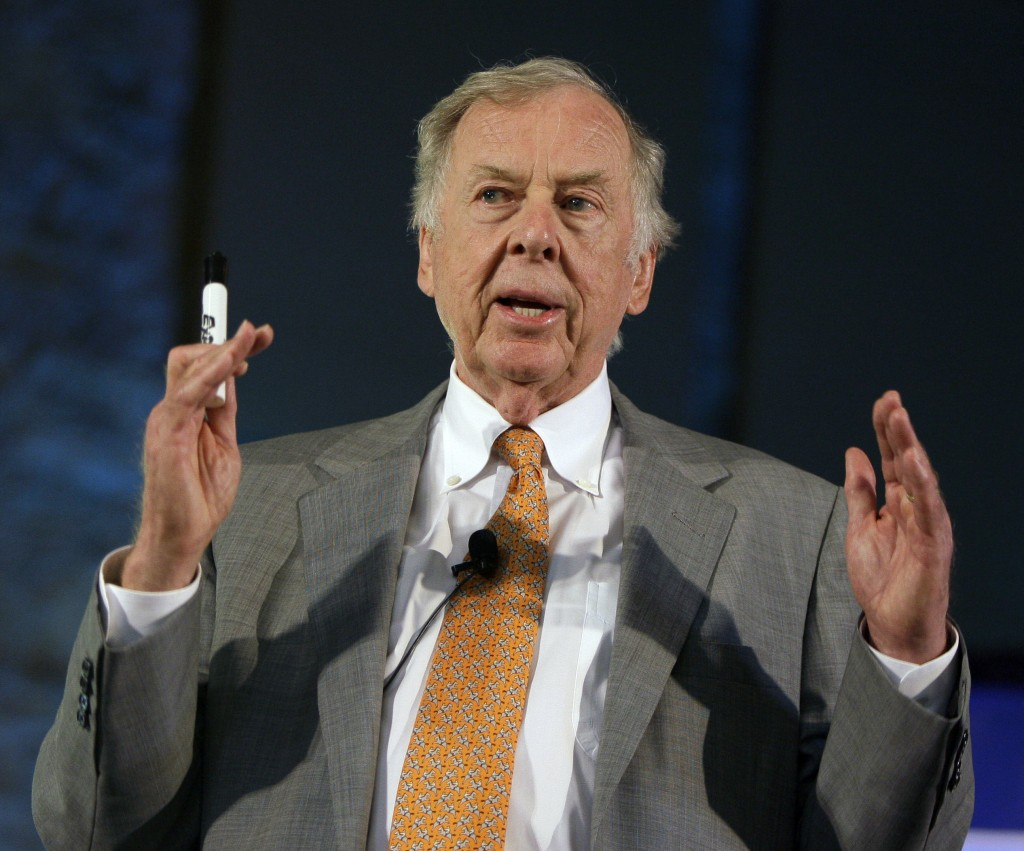 FILE - In this July 30, 2008, file photo, oil and gas developer T. Boone Pickens addresses a town hall meeting on energy independence in Topeka, Kan. ...