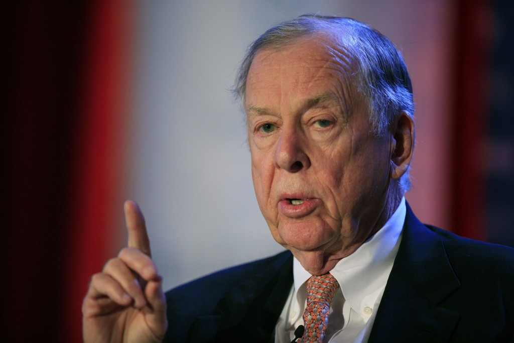 FILE - In this June 15, 2009, file photo, T. Boone Pickens, president of BP Capital Group, speaks at Time Warner's headquarters in New York. Pickens, ...