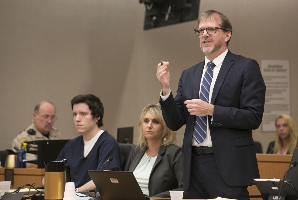 John O'Connell, attorney for John Ernest, left, cross examines witness Oscar Stewart during a preliminary hearing for Earnest, Thursday, Sept. 19, 201