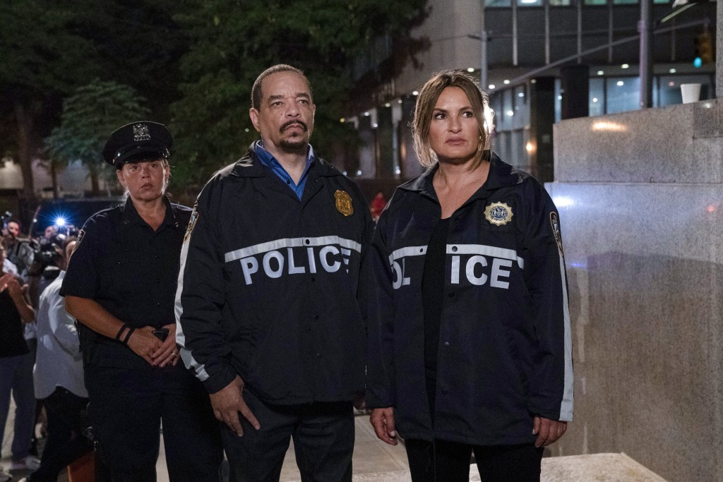 "This image released by NBC shows Ice T as Sergeant Odafin ""Fin"" Tutuola, left, and Mariska Hargitay as Lieutenant Olivia Benson in a scene from ""Law &..."