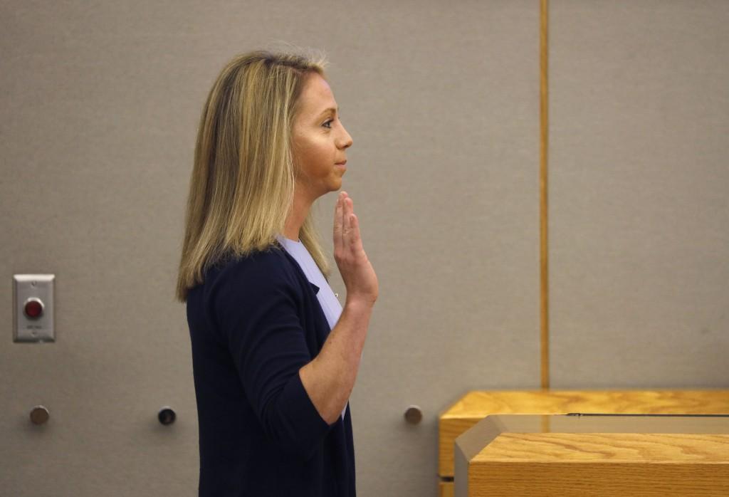 Dallas officer's testimony on killing neighbour 'absurd'