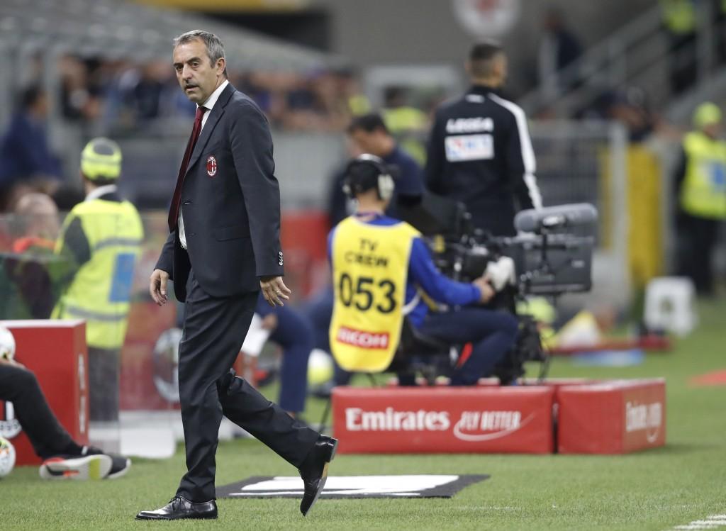 AC Milan beaten again as Fiorentina stroll to victory at San Siro