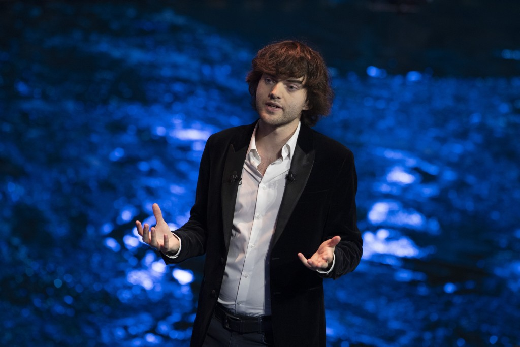 Young Dutch inventor Boyan Slat presents his plans for the Interceptor, a plastic-gathering floating device, during a presentation in Rotterdam, Nethe...