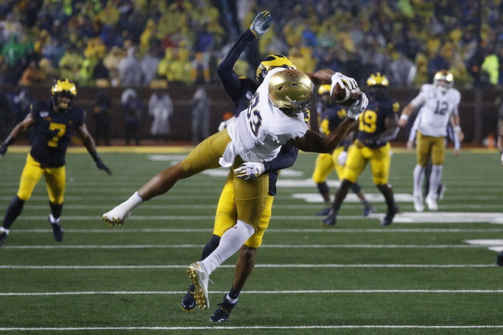 Notre Dame wide receiver Chase Claypool (83) catch...