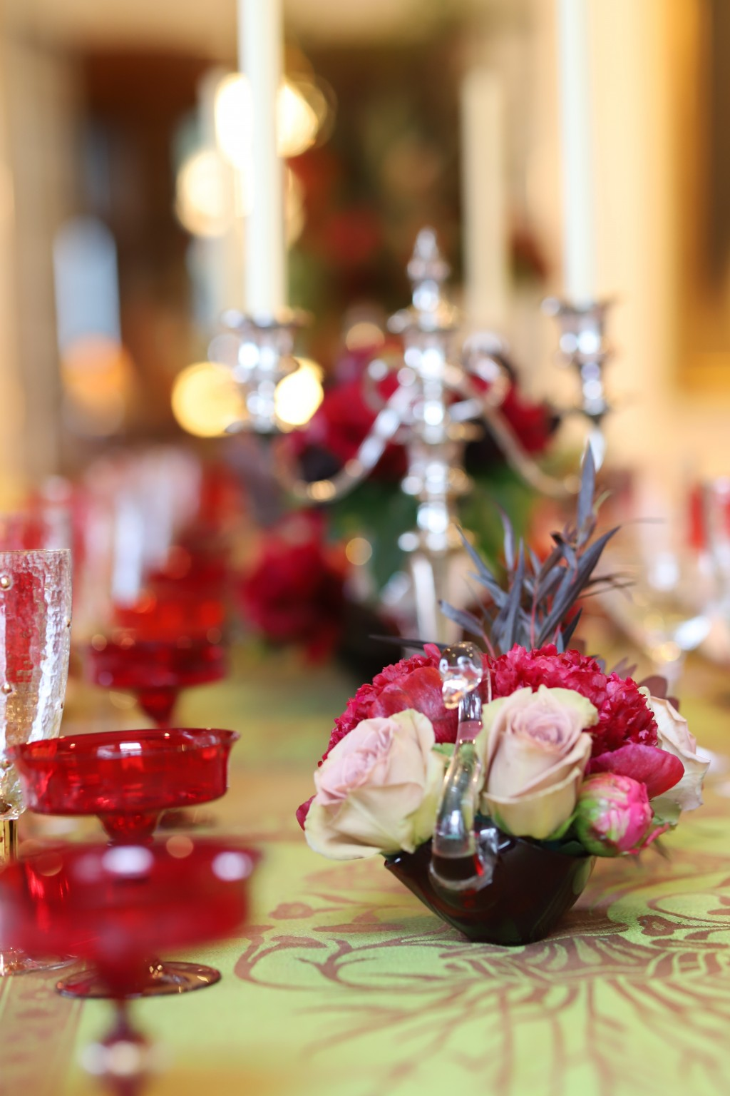 This photo provided by interior designer Elizabeth Stuart shows some centerpieces she created on a table in a residence in Charleston, S.C. Don't feel...