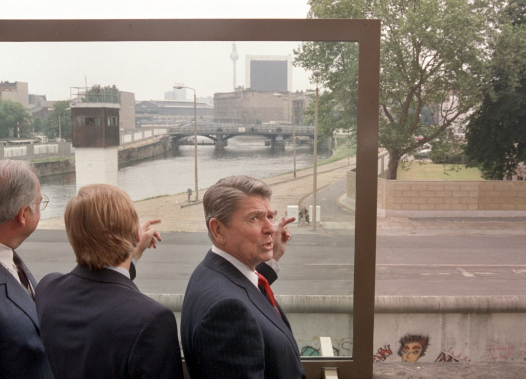 FILE - In this Friday, June 12, 1987 file photo, from right: U.S. President Ronald Reagan, Berlin Mayor Eberhard Diepgen and West German Chancellor He...