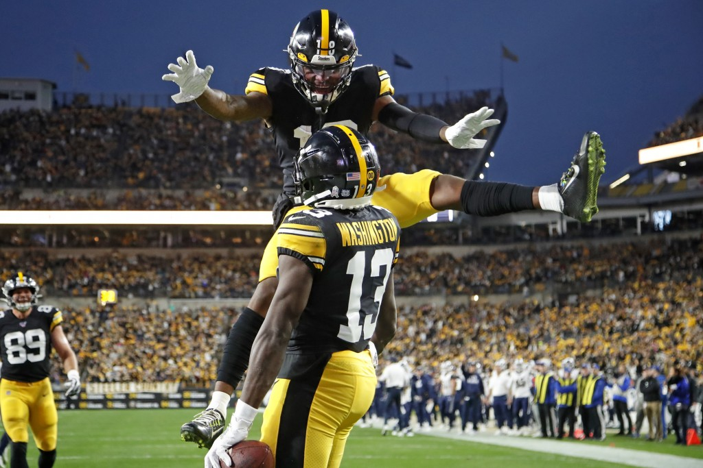 Pittsburgh Steelers wide receiver James Washington (13) celebrates his touchdown catch with Diontae Johnson (18) during the first half of an NFL footb...