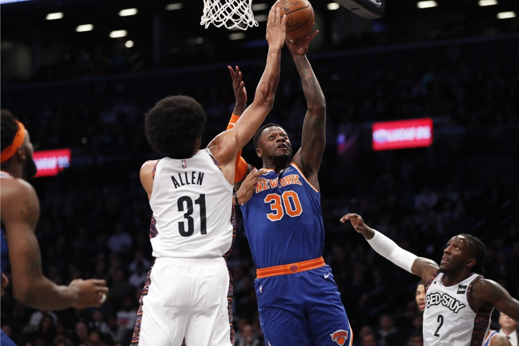 Randle scores 33 as Knicks subdue Nets