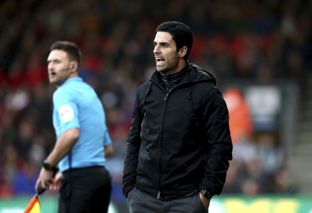 Arsenal manager Mikel Arteta shouts instructions during their English Premier League soccer match against AFC Bournemouth at the Vitality Stadium, Bou...