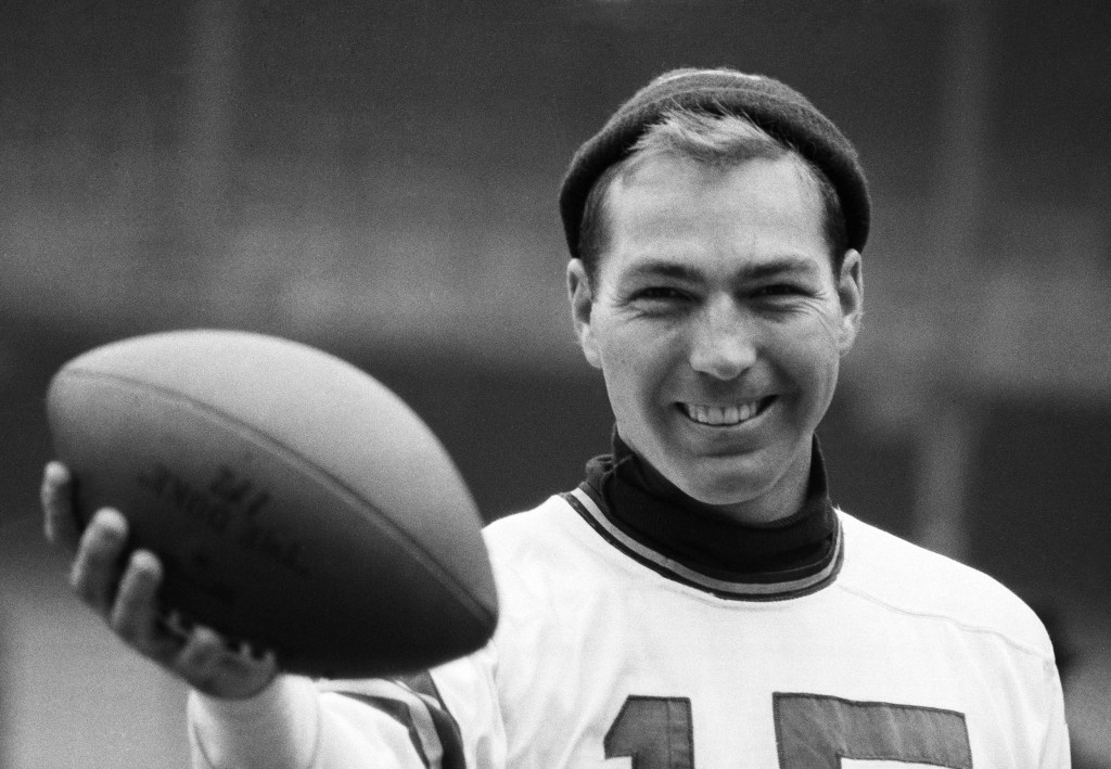 FILE - This is a Dec. 29, 1962, file photo showing Green Bay Packers quarterback Bart Starr during a workout at Yankee Stadium in New York. Starr, the...