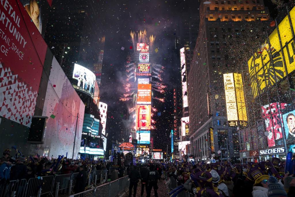 往年時代廣場跨年晚會皆萬人空巷(照片來源:美聯社提供)