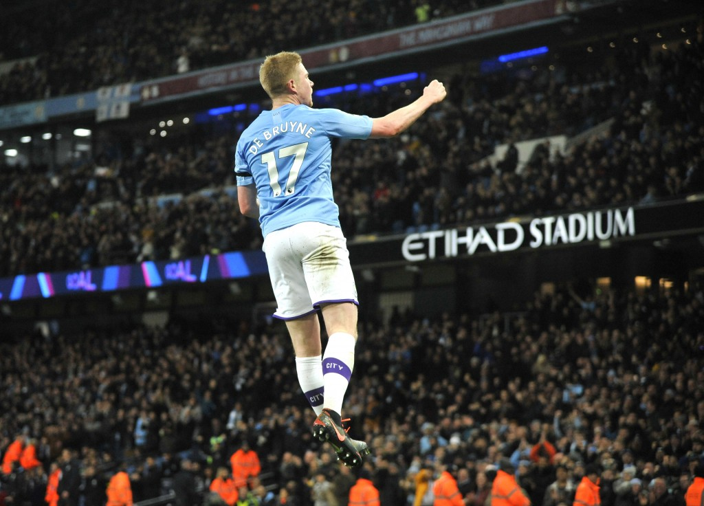 Manchester City's Kevin De Bruyne celebrates after scoring his side's second goal during the English Premier League soccer match between Manchester Ci...