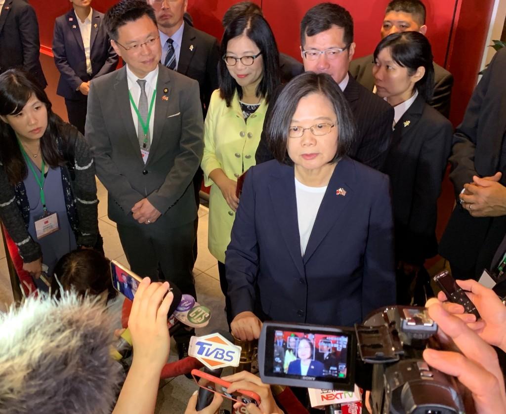 總統蔡英文11日在美國過境期間接受媒體訪問