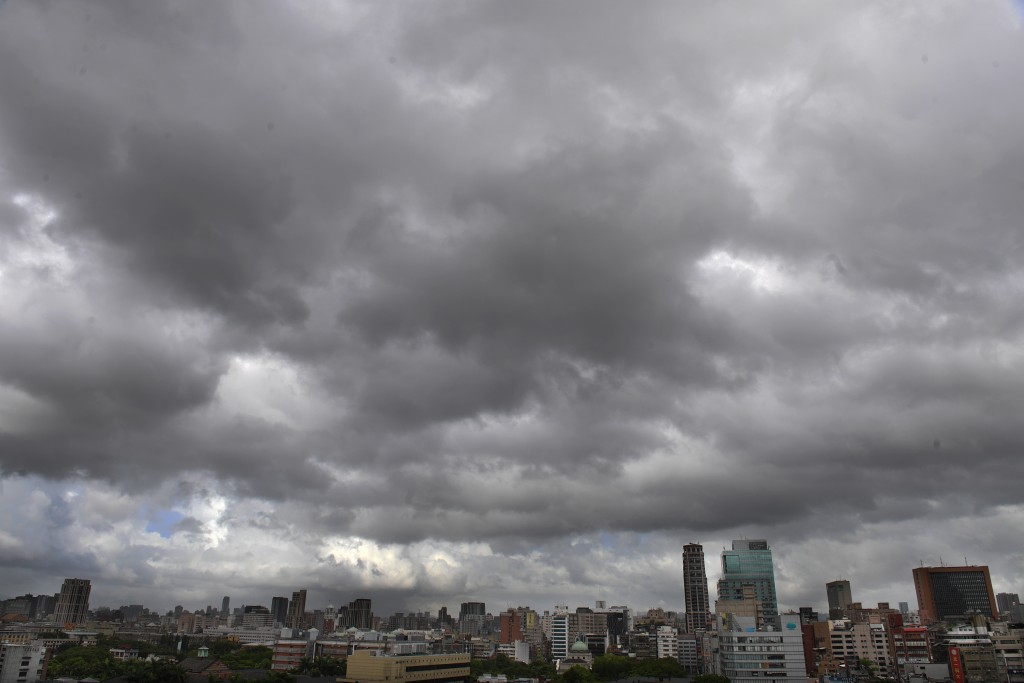 中央氣象局指出,3日水氣增多,迎風面的北台灣天氣較昨天稍不穩定(照片來源:資料照片/中央社提供)