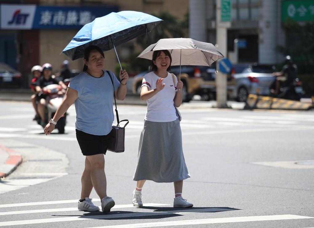 中央氣象局指出,14日各地多以多雲到晴的天氣為主(照片來源:中央社/資料照片)