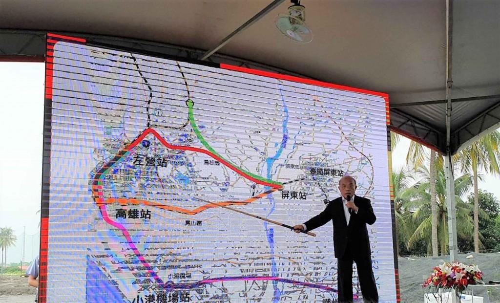 行政院長蘇貞昌(圖)10日返回家鄉屏東市,宣布高鐵 將延伸到屏東,並要求路線盡速定案。 中央社記者郭芷瑄攝  108年9月10日