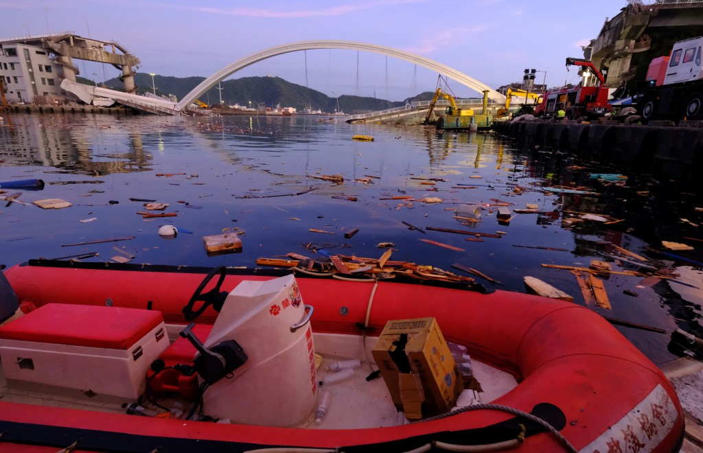 Update: 6 Filipino, Indonesian workers perish after NE Taiwan bridge collapse