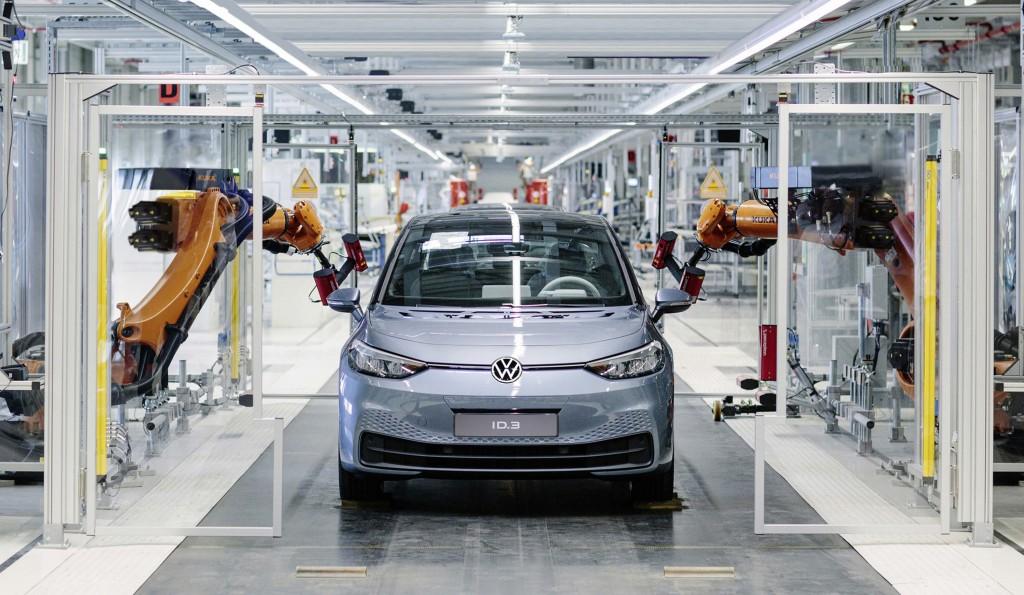 德國福斯汽車(Volkswagen)新一代的純電動車ID.3量產,象徵福斯邁入電動車時代。 (福斯提供) 中央社記者林育立柏林傳真 108...