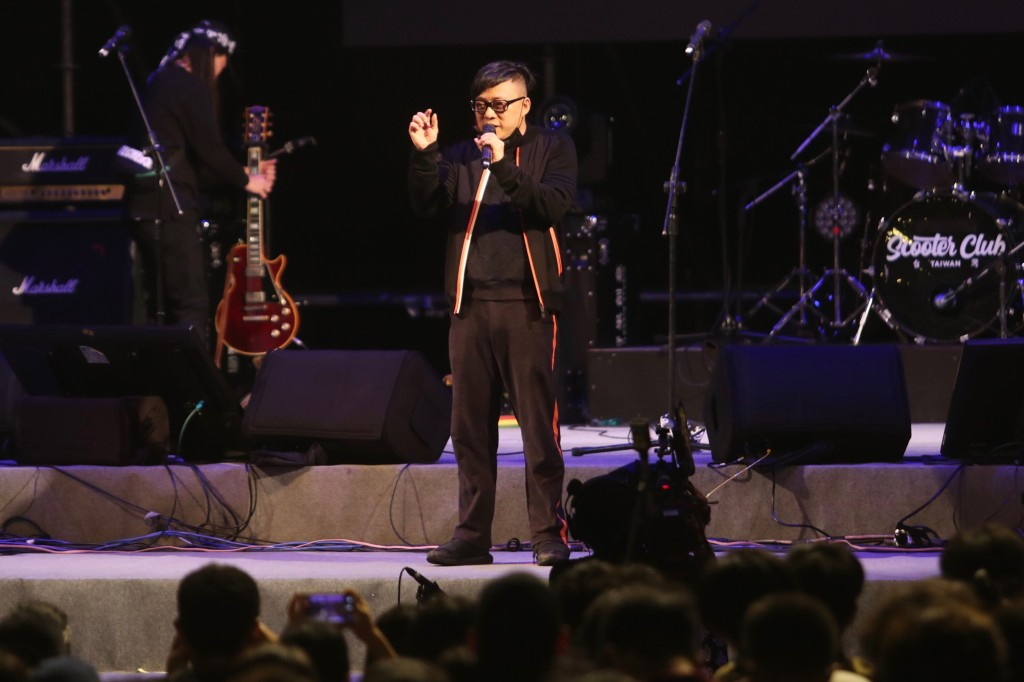 Hong Kong lyricist Albert Leung spoke in Taipei on Nov. 17, 2019.