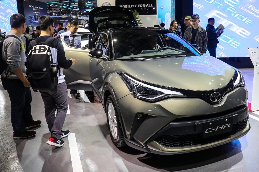 和潤企業在中國也在發展汽車租賃業務,相對規模較小,壓力不大,其營運集中台灣汽車金融,挾和泰汽車Toyota、Lexus強勢銷售,上半年約有...