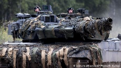 German troops head for Lithuania NATO exercises, despite air delay