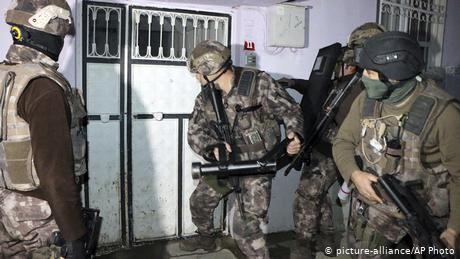 Turkey arrests scores of suspected 'Islamic State' members