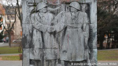 Poland versus Putin: Dispute over history