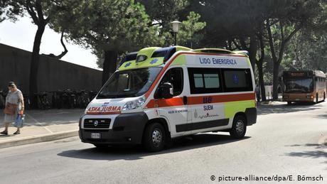 Teens hijack ambulance, kidnap crew in Naples
