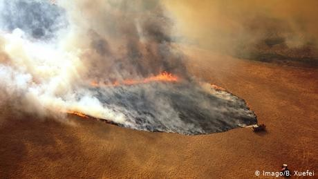 Australia: Firefighters race against time before heatwave
