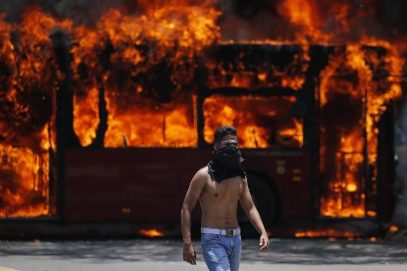 委內瑞拉軍事起義(圖/美聯社)