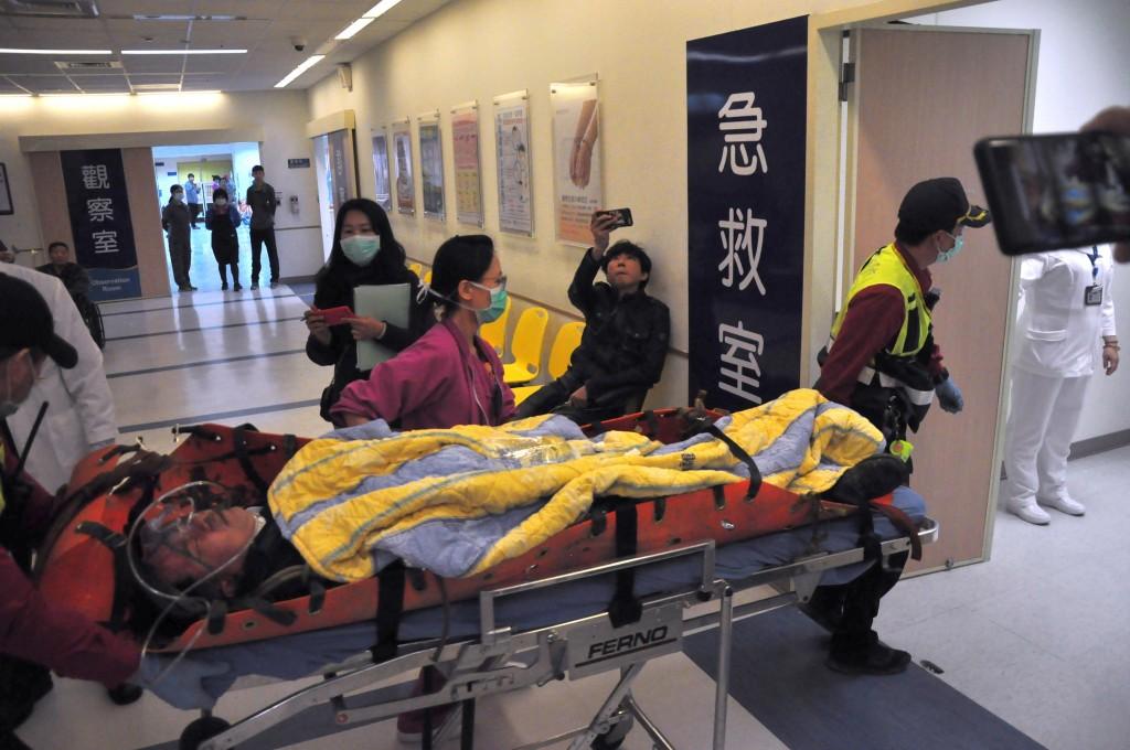 黑鷹傷者恢復佳 黃佑民陳映竹6日出加護病房