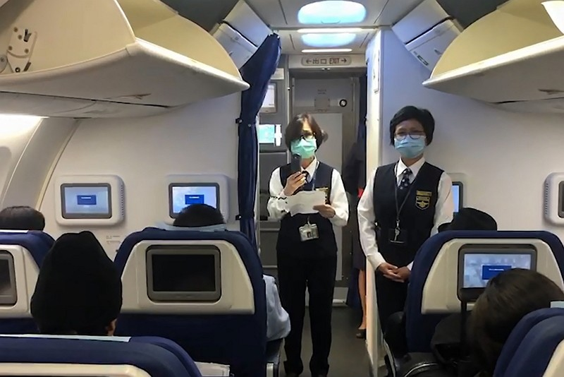 疾管署針對武漢直飛桃園航班採登機檢疫(來源:中央社/疾管署)