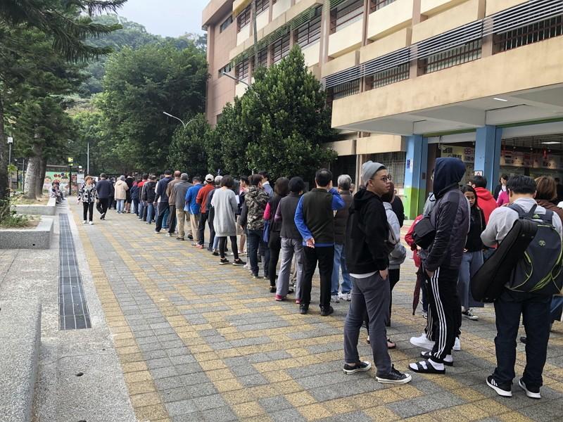 Polling station in Taipei (Taiwan News photo)